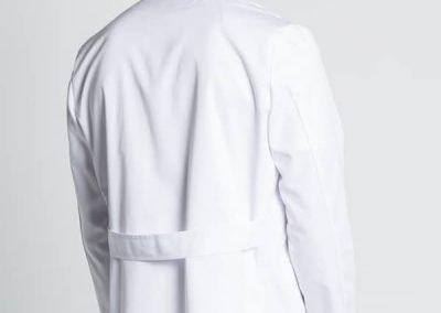 Detalle trasero chaqueta clásica sanitario